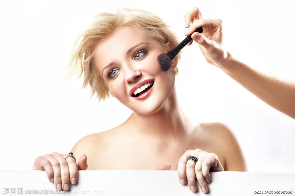 化妆品的正确步骤有几点